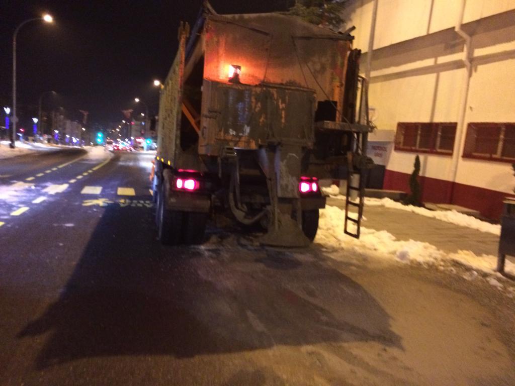 Yollardaki buzlanma tehlikesine karşı çalışmalar