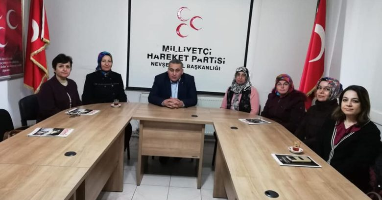 Başkan Kaya ilçe kadın kolları başkanlarıyla istişarelerde bulundu
