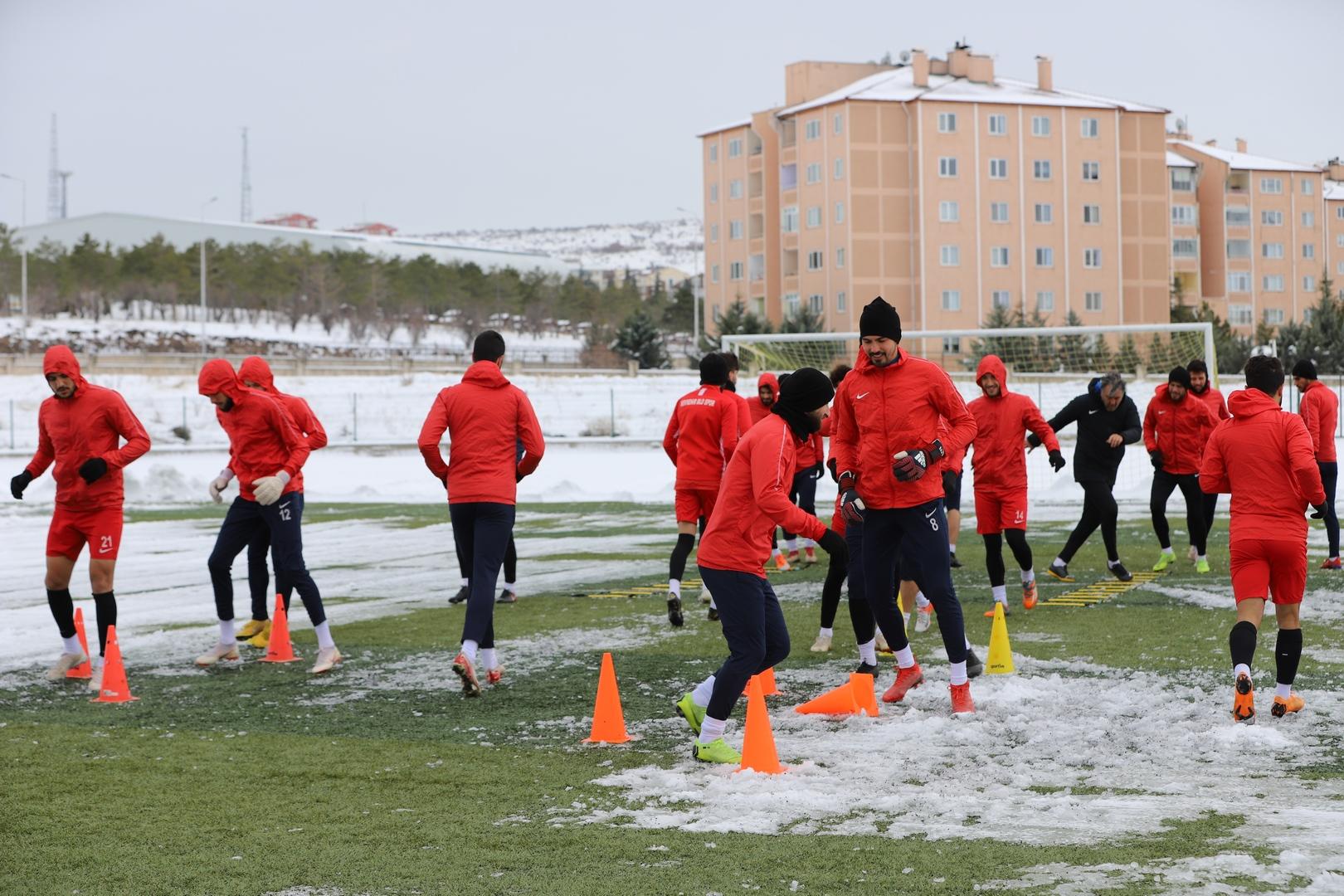 Nevşehir Belediye Spor tam kadro çalıştı