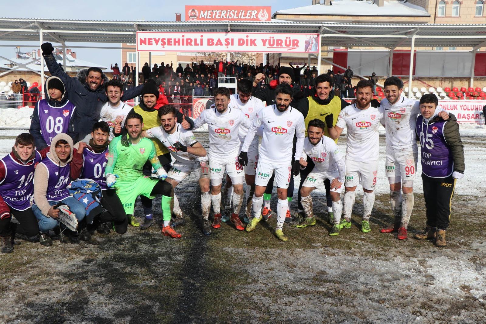 Nevşehir Belediye Spor hedefe adım adım yürüyor