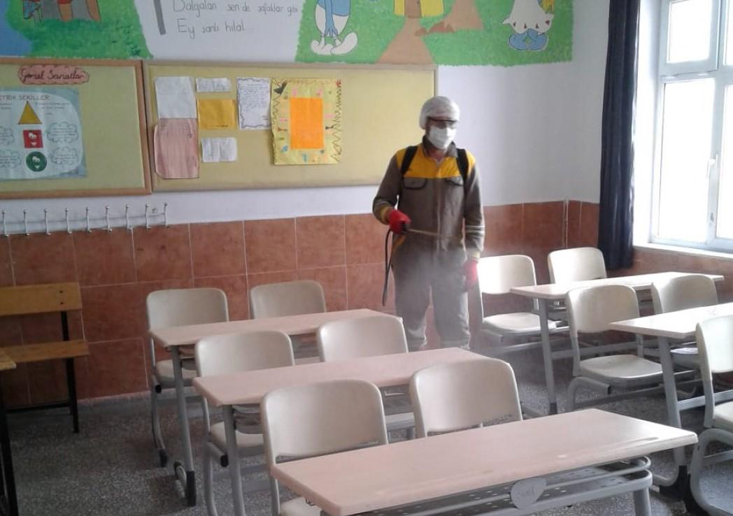Kozaklı'da okullarda dezenfekte çalışmaları yapıldı