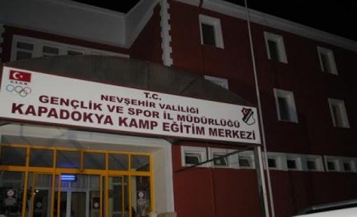 Sağlık çalışanları Kamp Eğitim Merkezi'nde kalmaya başladı