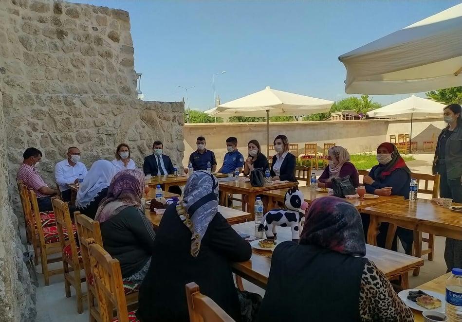 Vali Becel'den,'Derinkuyu İlçe Kadın İş Geliştirme Derneği'ne ziyaret
