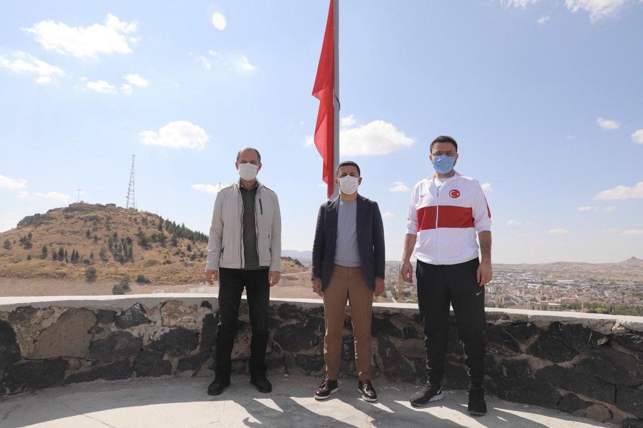 Özel ve Bölükbaşı Kayaşehir'i gezdi