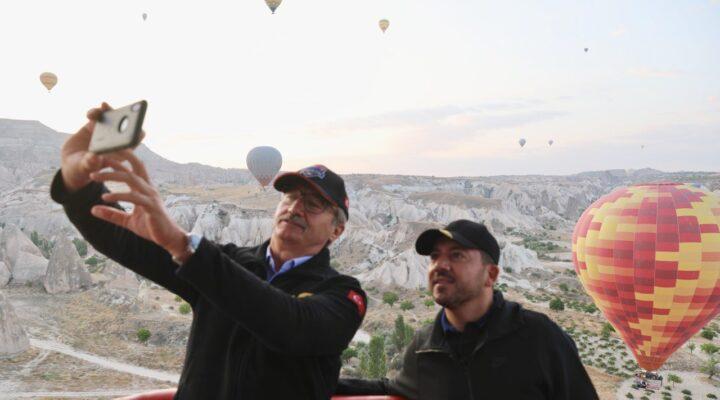 Belediye Başkanı Arı, Kürşat Tüzmen ile balon turuna katıldı