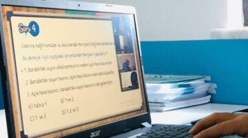 Simya Koleji online eğitimde farkını ortaya koyuyor