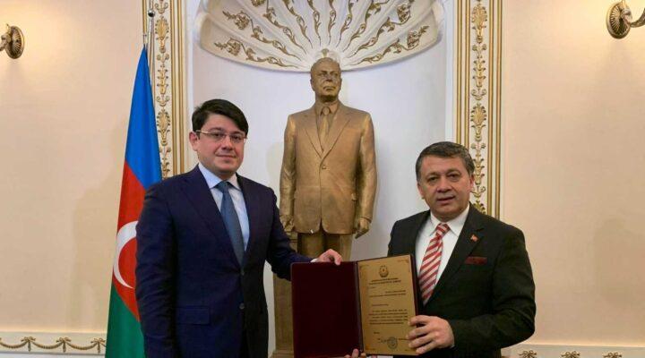 Azerbaycan'dan Genel Başkanımız Dim'e büyük onur