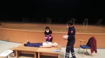 Acil ve Afetler Sağlık Hizmetleri Birimi Üniversitede ilk yardım eğitimlerine devam ediyor