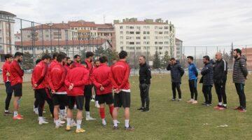 Nevşehir Belediyespor Antalya Kemerspor'a hazırlanıyor