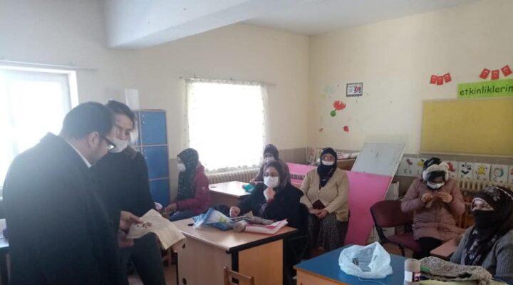 Acıgöl İlçesine bağlı Karacaören'de HEM kursu sürüyor