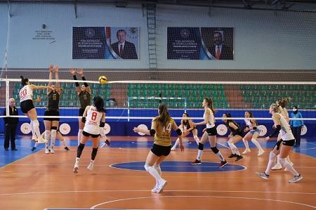 Filede kızlar; Nevşehir Belediyespor 3 – Numune Gençlik 0
