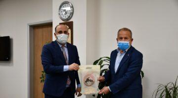 Başkan Salaş, fedakar sağlık kahramanlarının bayramını kutladı