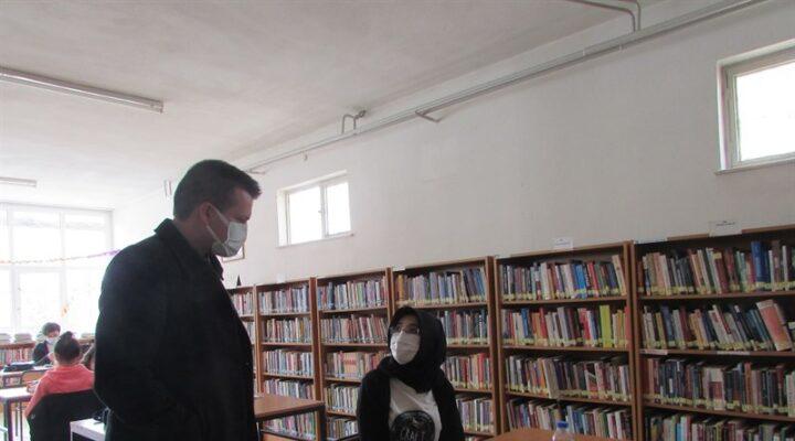 Karahasanlı köyü kütüphanesinde incelemelerde bulunuldu