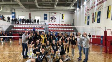 Nevşehir Belediyespor Kadın Voleybol takımı Play-Off'a yükseldi