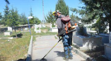 Gülşehir'de mezarlık temizliği
