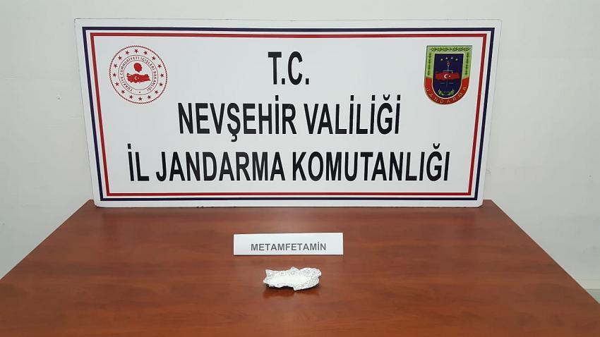 Jandarma uyuşturucudan 2 kişiyi gözaltına aldı