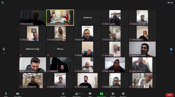 AK Partide online toplantılar sürüyor