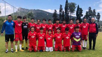 Nevşehir Belediyespor U15 Takımı Antalya'dan 3'lük kupası ile dönüyor