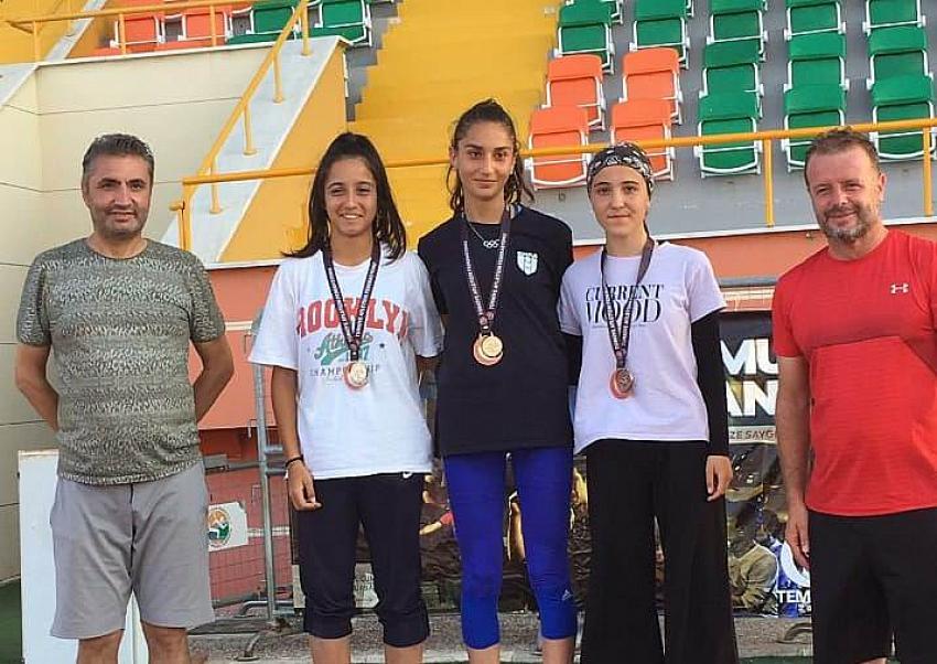 Genç sporcularımız Mersin'den madalyalarla döndü