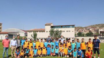 Geleceğin sporcuları yaz spor okullarında yetişiyor
