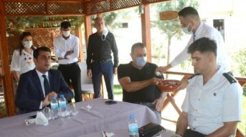 Avanos'ta bayramlaşma Öğretmenevi bahçesinde gerçekleştirildi