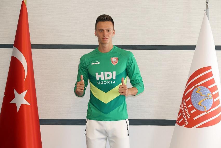 Eskişehirspor'un genç kalecisi, Nevşehir Belediyespor'a transfer oldu