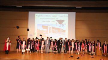 Başkan Ertaş mezun öğrencileri yalnız bırakmadı