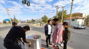AK Gençlerden MYO öğrencilerine poğaça, meyve suyu ikramı