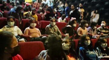 Akif filmini izlediler