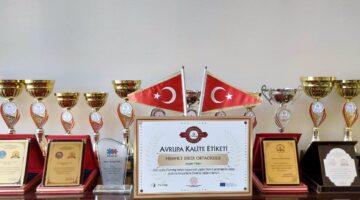 Ürgüp'te ilk ve tek Avrupa Kalite Ödülünü Mehmet Diker Ortaokulu aldı